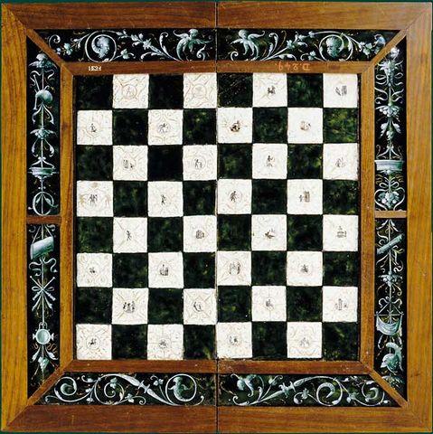 20110408202225-echiquier-trictrac-de-leonard-limosin2.jpg
