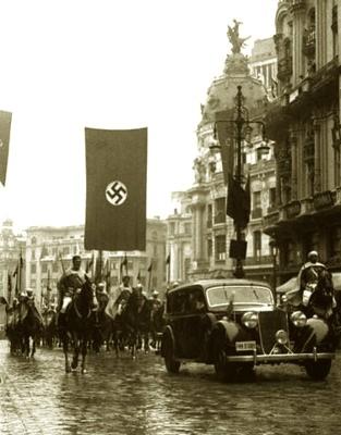 20140415144548-nazisenmadrid-con-la-guardia-mora.jpeg