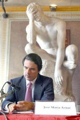 20080904171340-estatua-aznar.jpg